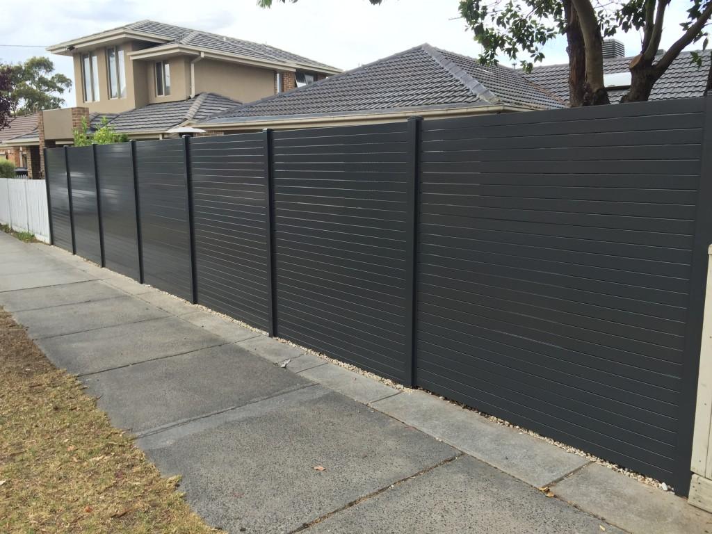 Aliscreen aluminium slat fence gate 1