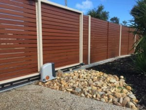 Aliscreen Aluminium Manual vs. Automatic Gates
